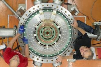 HFML laboratorium: meten met supersterke magneten