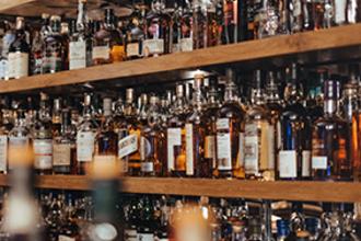 Radioactieve neerslag van kernwapens onthult frauduleuze whisky