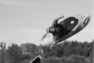 Kayak-jumping (VWO examen, 2021-3, opg 1)